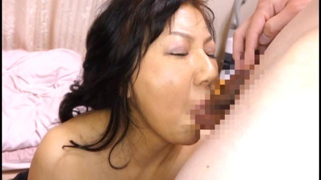 セックス動画『変態お姉さんが過激なSEXで痙攣しながら絶頂』