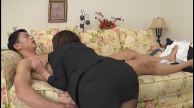 【隠し撮り】ミニスカ履いてる女を下から激写する♪♪ 3