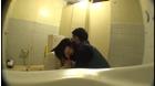 ●学生トイレこじ開けレイプ_5
