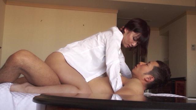 - エロ画像jp 【口内射精】口の中に精液を出された女の顔が
