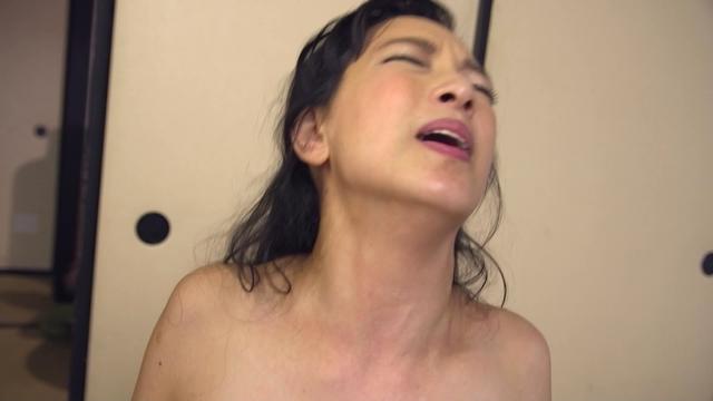 マン汁マンコ子宮口見せオナニー人妻 エロ動画 FJF-1883 -