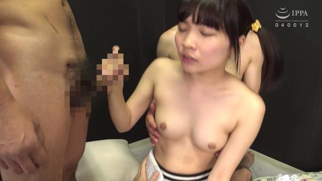 【五十路盗撮熟女動画】ビジネスホテルの美熟女マッサージ嬢